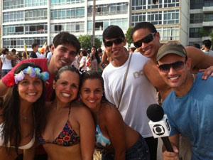 Grupo de amigos de diversas partes do Rio de Janeiro curtem o Simpatia (Foto: Diogo Bessa/G1)