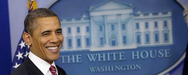 O presidente dos EUA, Barack Obama, dá entrevista nesta sexta-feira (10) na Casa Branca (Foto: AP)