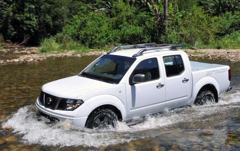 Nissan Frontier ganha motor mais potente na linha 2013