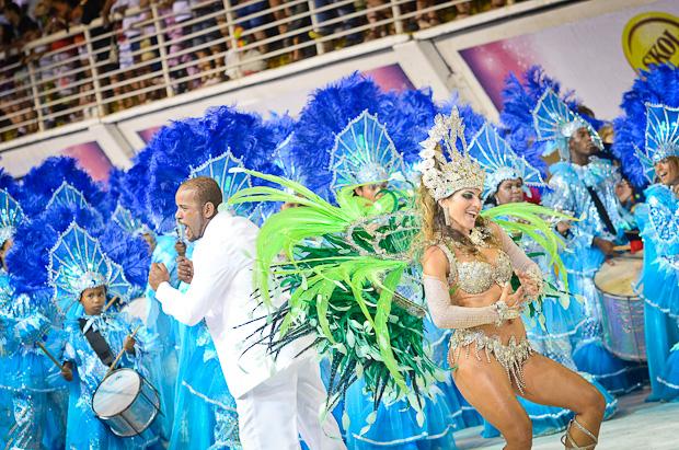 Rainha da Piedade foi aplaudida pelo público (Foto: Weliton Aiolfi/ G1ES)