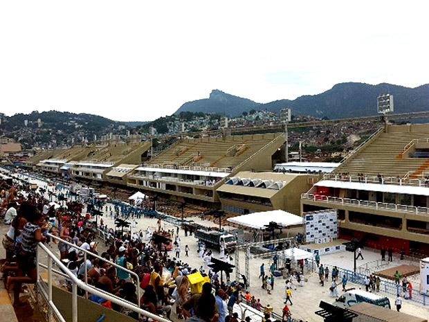 Sambódromo do Rio é reinaugurado a uma semana dos desfiles