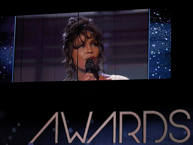 Homenagem a Whitney Houston (Foto: AP)