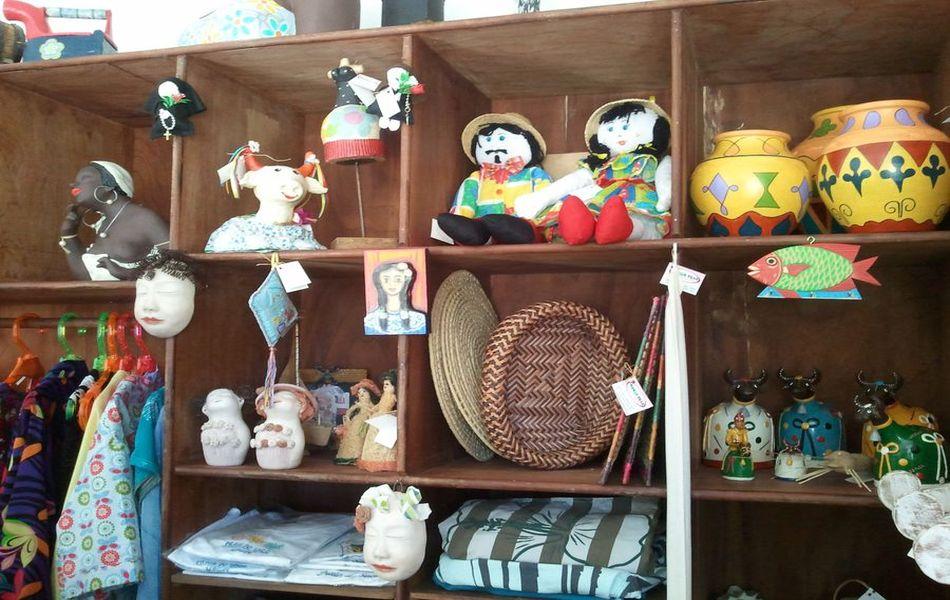 Lembranças do artesanato da Praia do Saco