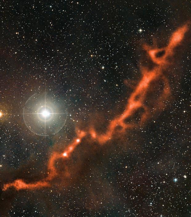 A 'Nebulosa Molecular do Touro' a 450 anos-luz da Terra, ao lado de uma estrela da constelação de Touro. (Foto: ESA)