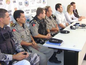 Polícia concede entrevista coletiva para explicar crime em Queimadas (Foto: Karoline Zilah/G1)