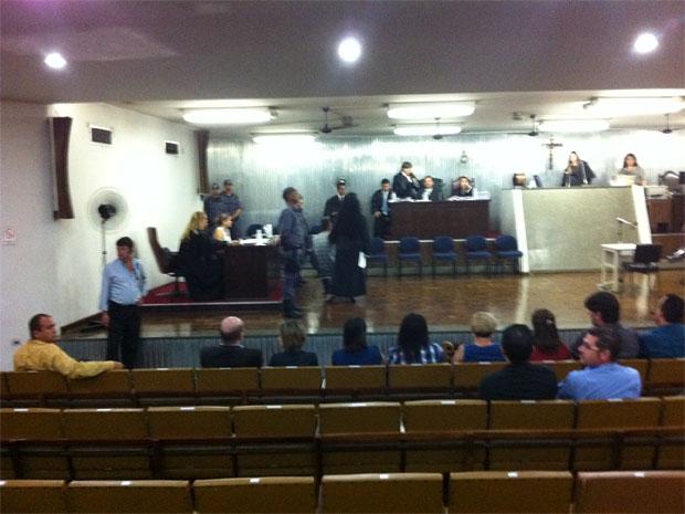 Lindemberg aguarda início do julgamento (Foto: Kleber Tomaz/G1)
