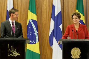 Dilma com o primeiro-ministro finlandês durante declaração conjunta  (Foto: Roberto Stuckert Filho / Divulgação / PR)