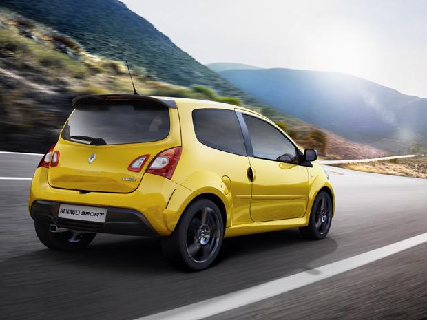 Renault Twingo RS ganhou itens que remetem aos carros de Fórmula 1 da marca (Foto: Divulgação)