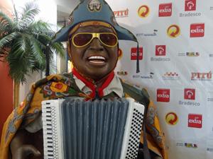 Luiz Gonzaga, um dos homenageados desse ano, ganhou versão em boneco. (Foto: Katherine Coutinho / G1)