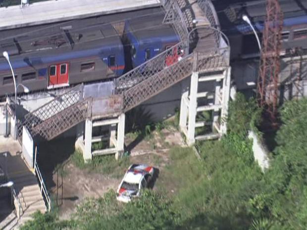 Acidente aconteceu perto da Estação Vila Clarice, da Linha 7 - Rubi da CPTM (Foto: Reprodução/TV Globo)