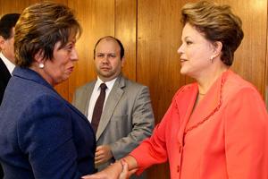 Dilma com a governadora do Rio Grande do Norte, Rosalba Ciarlini, no Palácio do Planalto (Foto: Roberto Stuckert Filho / Divulgação / PR)