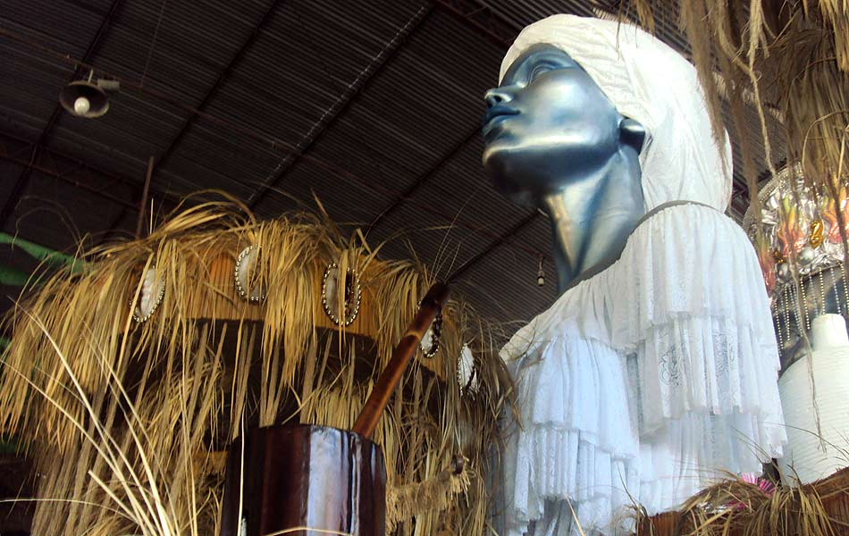 Campeã do Grupo de Acesso B em 2011, a Paraíso do Tuiuti abre a noite de desfiles