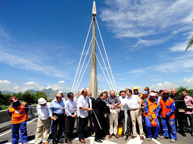 Inauguração da ponte estaiada da Linha Vermelha (Foto: Marino Azevedo / Divulgação Governo do Estado)