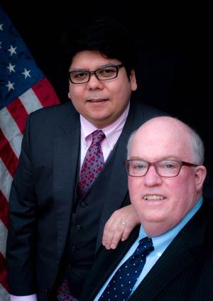 O brasileiro Emerson Kanegusuke, e o cônsul-geral dos EUA em Osaka-Kobe, Patrick Joseph Linehan 59 (Foto: Fábio Ishikawa/ Arquivo Pessoal)