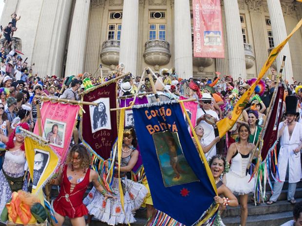 As fantasias e o colorido ganham destaque no desfile do Cordão do Boitatá  (Foto: Arquivo Cordão do Boitatá)