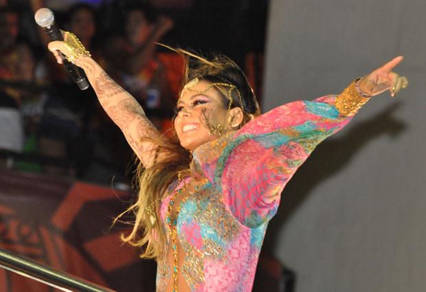 Aline Rosa mostra forma exuberante no carnaval baiano deste sábado (Foto: Jaílson Barbosa/G1)