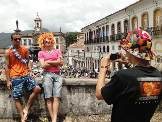 Em clima de festa, amigos de Andrelândia (MG) querem conhecer as igrejas históricas (Foto: Raquel Freitas/G1)
