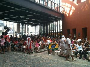 Público acompanhou a apuração que aconteceu na tarde deste domingo (19). (Foto: Dulcinéia Novaes/RPC TV)