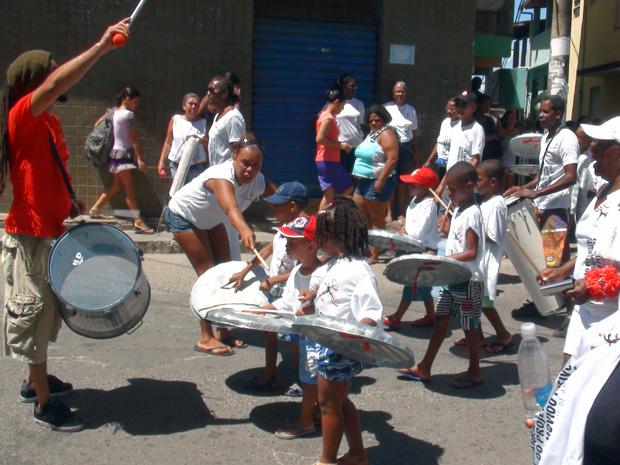 Bloco sai no bairro do Nordeste de Amaralina, em Salvador. (Foto: Lílian Marques/G1)