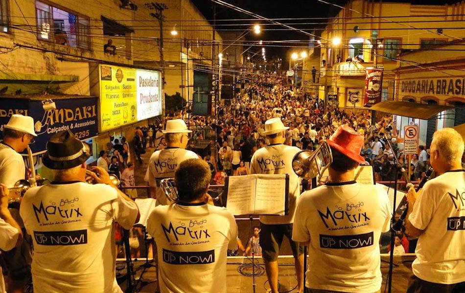 Batatão agita o carnaval em Taquaritinga, SP