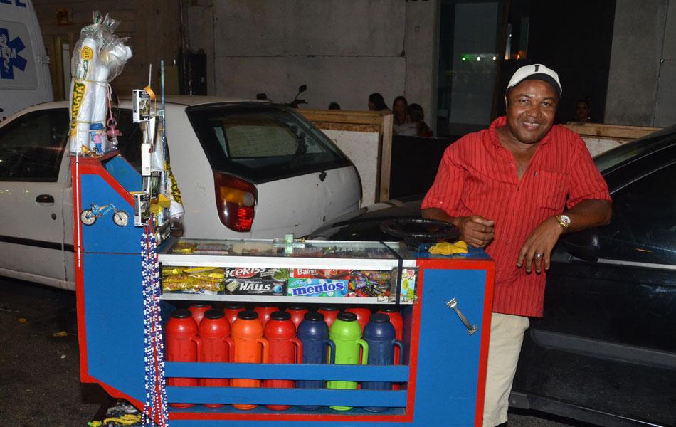Val de Freitas, vendedor (Foto: Eduardo Freire/G1)