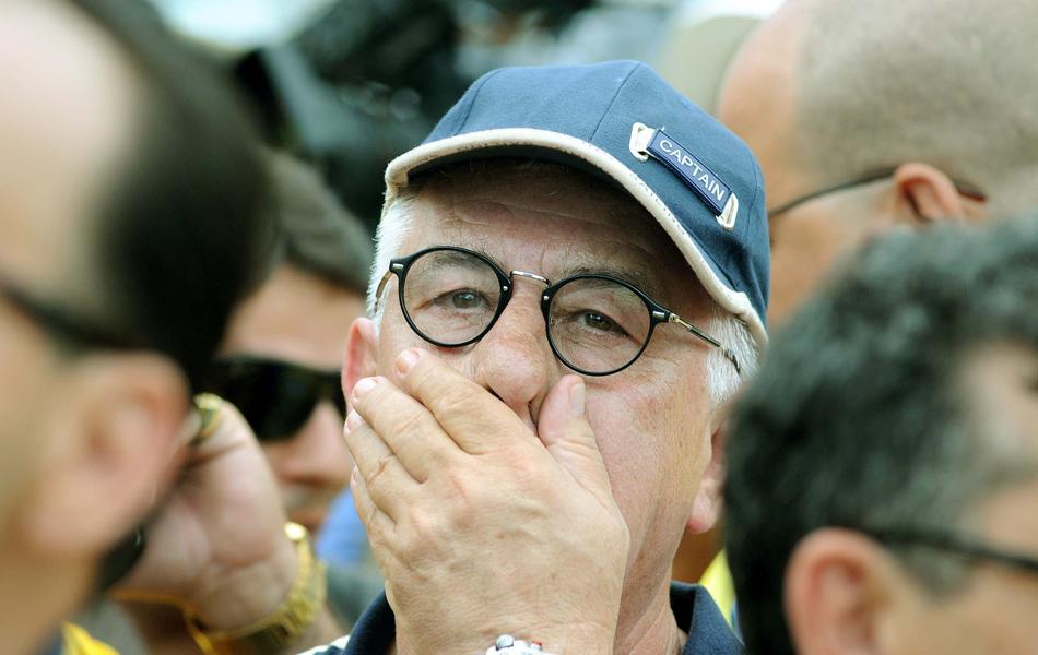 Presidente da Unidos da Tijuca aguarda ansioso o resultado da apuração dos votos do desfile.