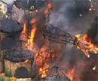Coquetel molotov causou fogo, diz PM (Reprodução/Globo News)