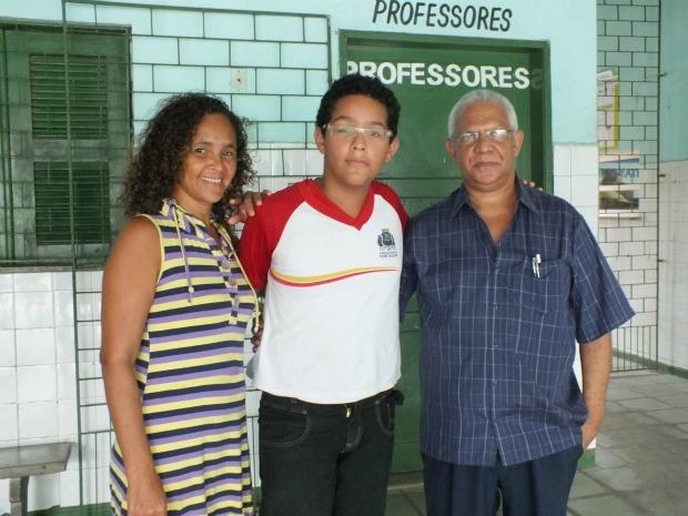 Juan Gabriel recebeu aula de reforço da escola e estudava em casa por conta própria, conta. (Foto: SER III/Divulgação)