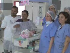 Bebê nasceu com más formações e problemas nos rins e no coração.  (Foto: TV Verdes Mares/Reprodução)