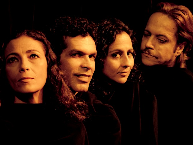 Espetáculo 'Nova mente Los Catedrásticos' está em cartaz no teatro Sesc Casa do Comércio. (Foto:  Divulgação)