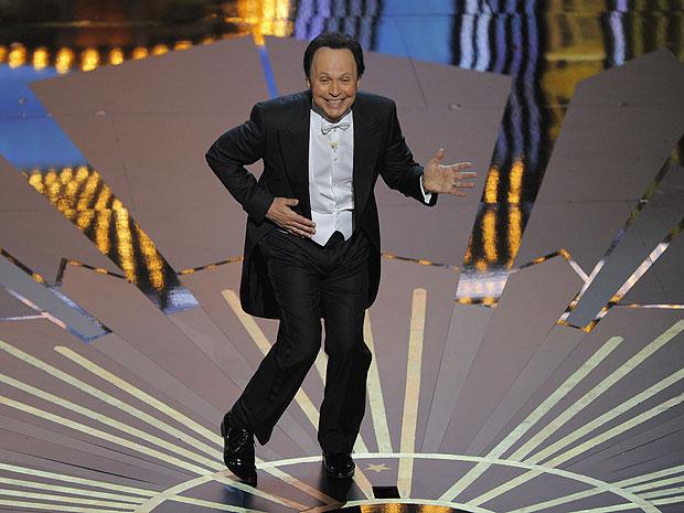Billy Cristal apresenta o Oscar 2012 (Foto: Mark J. Terrill/AP)
