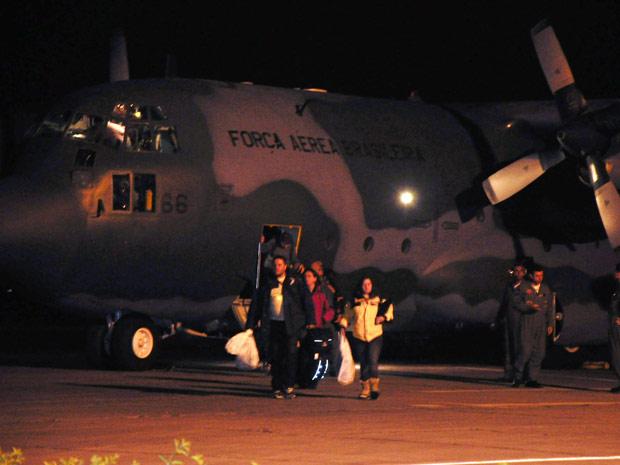 Pesquisadores desembarcaram por volta das 21h em Pelotas (Foto: Nauro Júnior/Agência RBS)