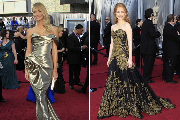 As atrizes Stacy Keibler e Jessica Chastain no tapete vermelho do Oscar 2012 (Foto: Lucy Nicholson/Reuters)