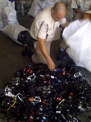 G1 - Seop apreende 799 óculos vendidos irregularmente perto da <b>...</b> 2014