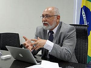 Secretário de Educação, Anderson Gomes, anunciou vagas do Pronatec (Foto: Katherine Coutinho/G1)