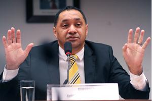 O deputado Tiririca (PR-SP) em audiência na Câmara em dezembro (Foto: Beto Oliveira / Agência Câmara)