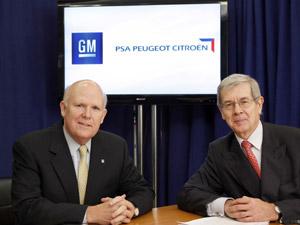 CEO da General Motors Dan Akerman encontra o chefe da PSA Philippe Varin (Foto: Divulgação)