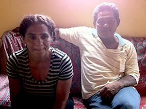 Filhos José Francolino e Vanildes de Almeida entraram em contato com os familiares (Foto: Kelly Martins/G1)