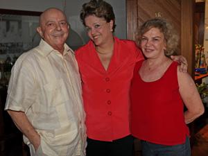 Dilma com Lula e a ex-primeira-dama Marisa Letícia no apartamento do casal, em São Bernardo (Foto: Ricardo Stuckert / Divulgação / Instituto Lula)