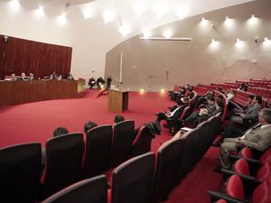 Plenário do TSE nesta quinta, quando ministros decidiram barrar candidatos com contas reprovadas em 2010 (Foto: Carlos Humberto./ASICS/TSE)
