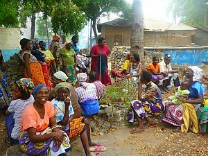 Grupo discute ações para projeto (Foto: Arquivo Pessoal)