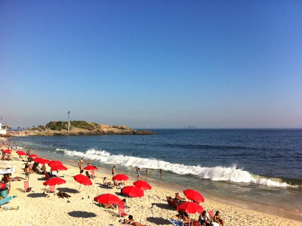 Termômetros registram o dia mais quente de 2012 no Rio nesta sexta-feira (2) (Foto: Tássia Thum / G1)