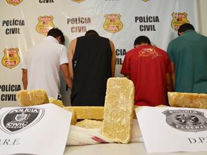 Polícia apreende 20kg de crack na Paraíba (Foto: Walter Paparazzo/G1)