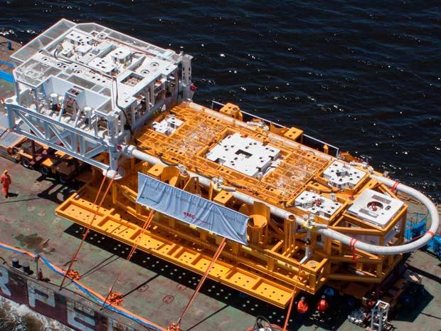 O separador de água e óleo pouco antes de ser instalado no fundo do mar (Foto: Divulgação)