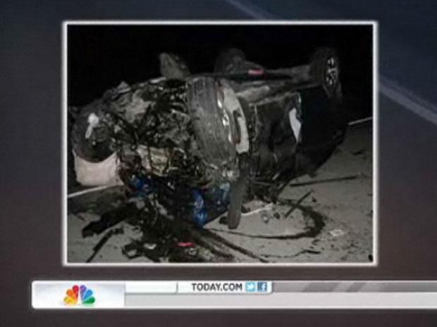 O carro da jovem ficou destruído com o impacto contra o caminhão-tanque (Foto: Reprodução/NBC)