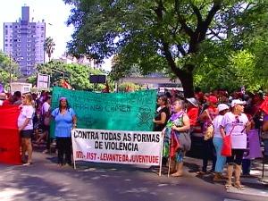 Protesto da Via Campesina em Porto Alegre, RS (Foto: Reprodução / RBS TV)