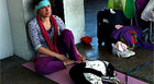 Sem dinheiro, casal 'acampa' em aeroporto (Giselle Dutra /G1)