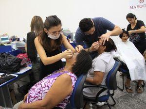 A ação do Bom Dia reuniu várias mulheres no ano passado.  (Foto: Arquivo/Jornal Bom Dia)