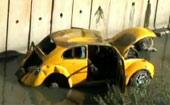 Carro fica mais de uma semana em córrego (Carro está há mais de uma semana em córrego (Carro está há mais de 1 semana em córrego (Reprodução/TV Globo)))