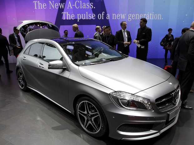 Mercedes-Benz Class A tem pré-estreia em Genebra (Foto: Denis Balibouse/Reuters)